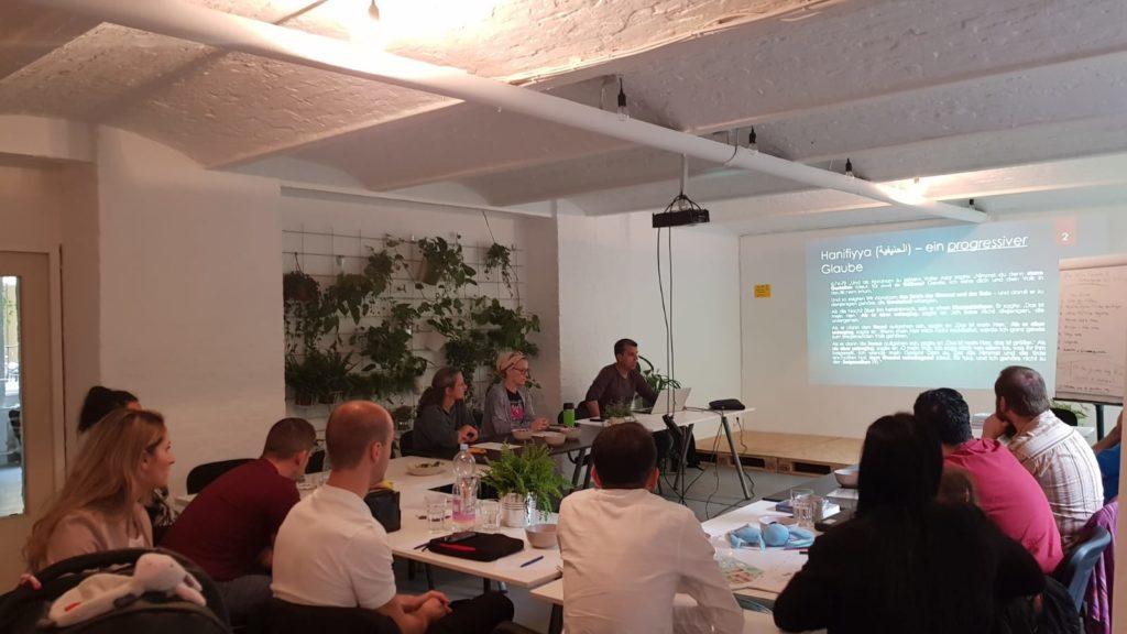 Eindruck vom Treffen: Arbi spricht zum Thema Gemeinschaft stärken